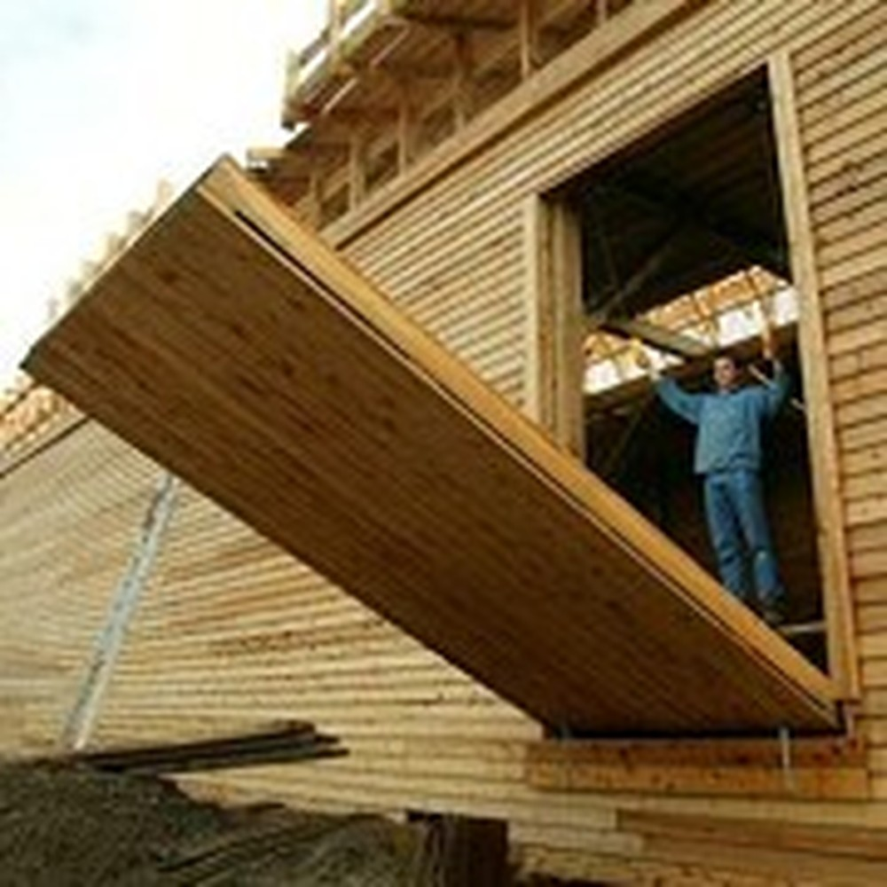 Man Constructs a Full Size Replica of Noah's Ark