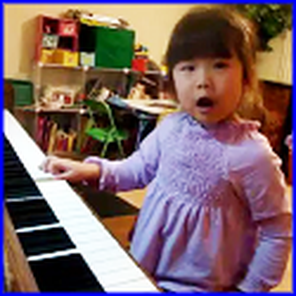 4 Year Old Girl Sings I Love You Lord - Adorable
