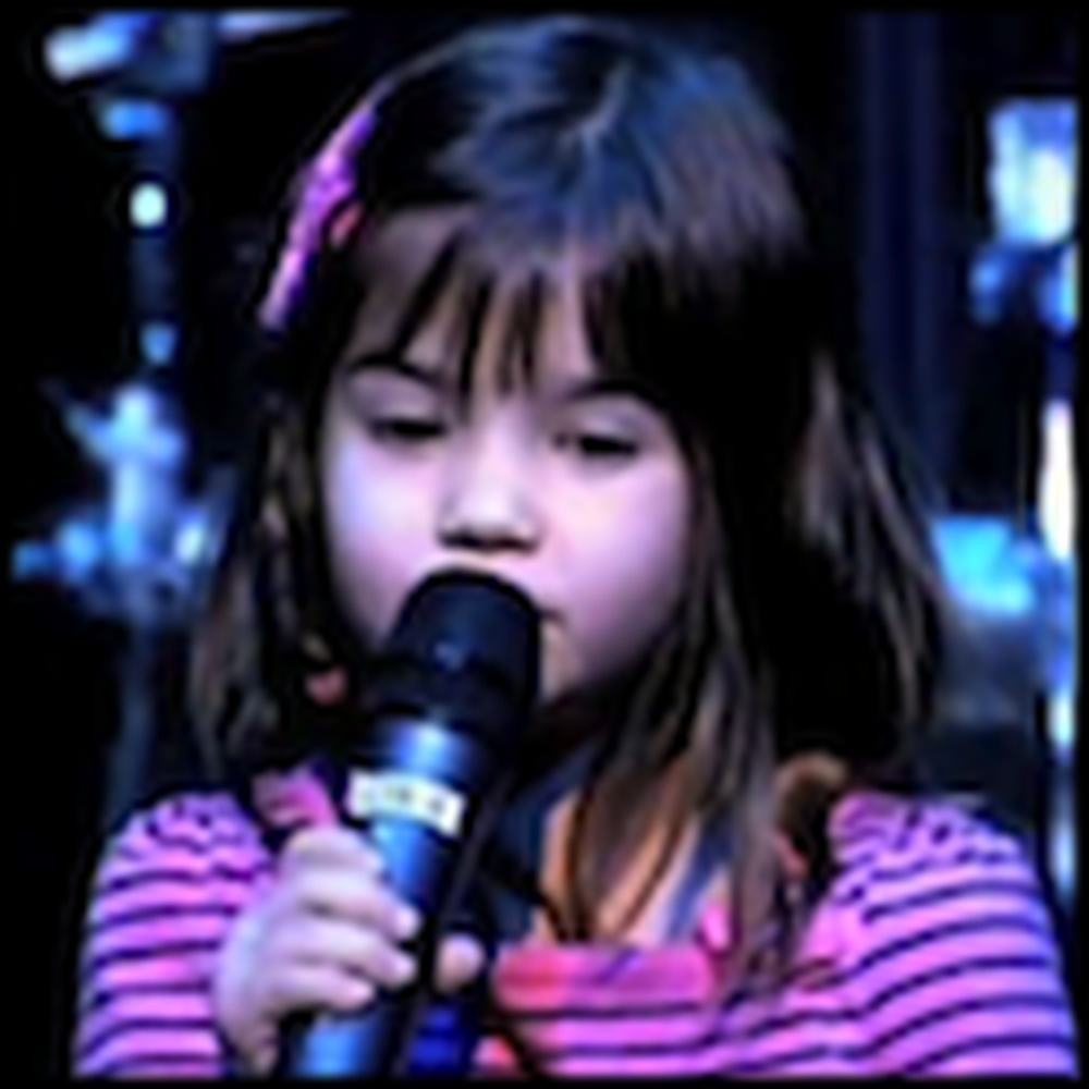Daddy I Love You - 5 Year Old Sings a Song for her Dad
