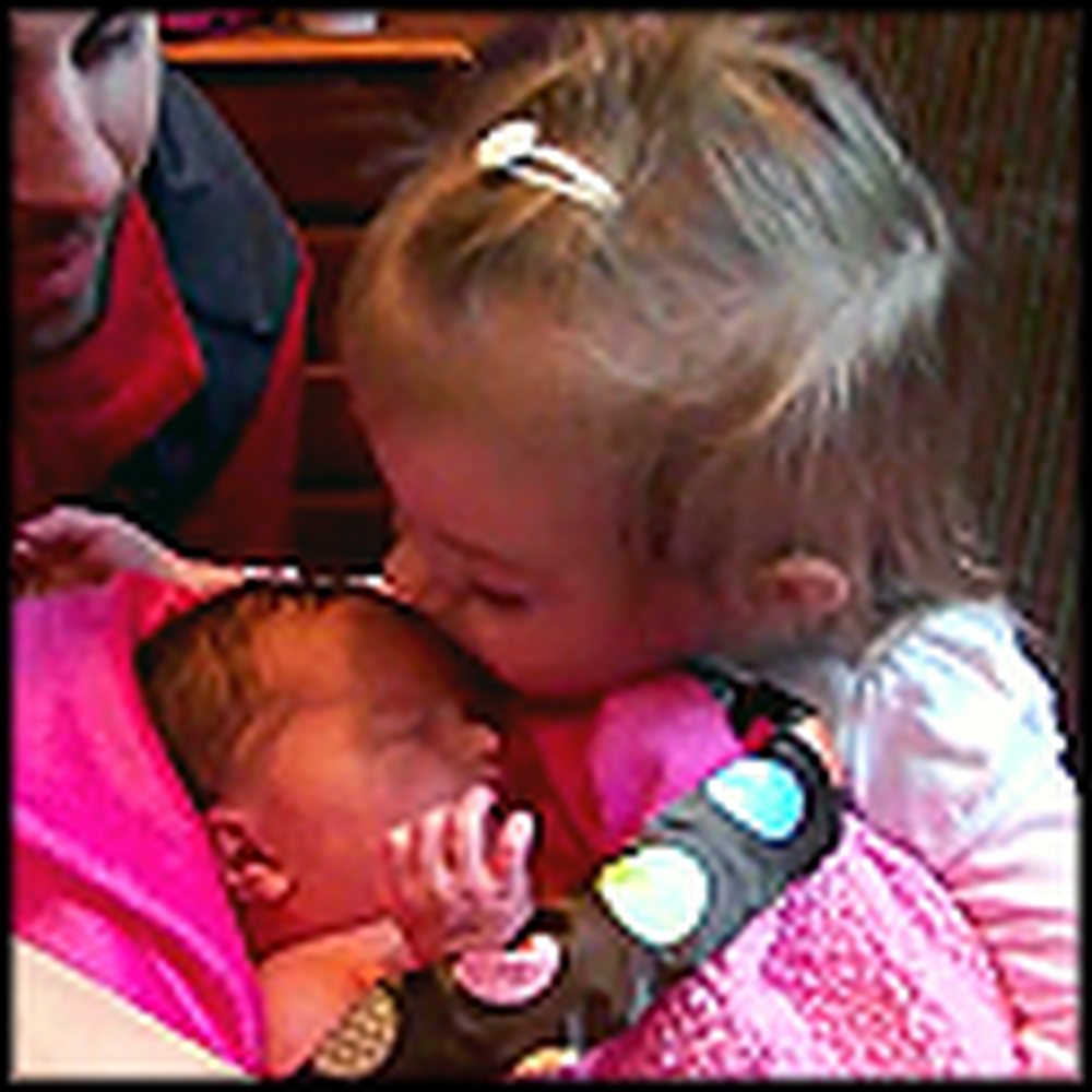 Little Girl Meets her Baby Sister for the First Time - Very Heartwarming