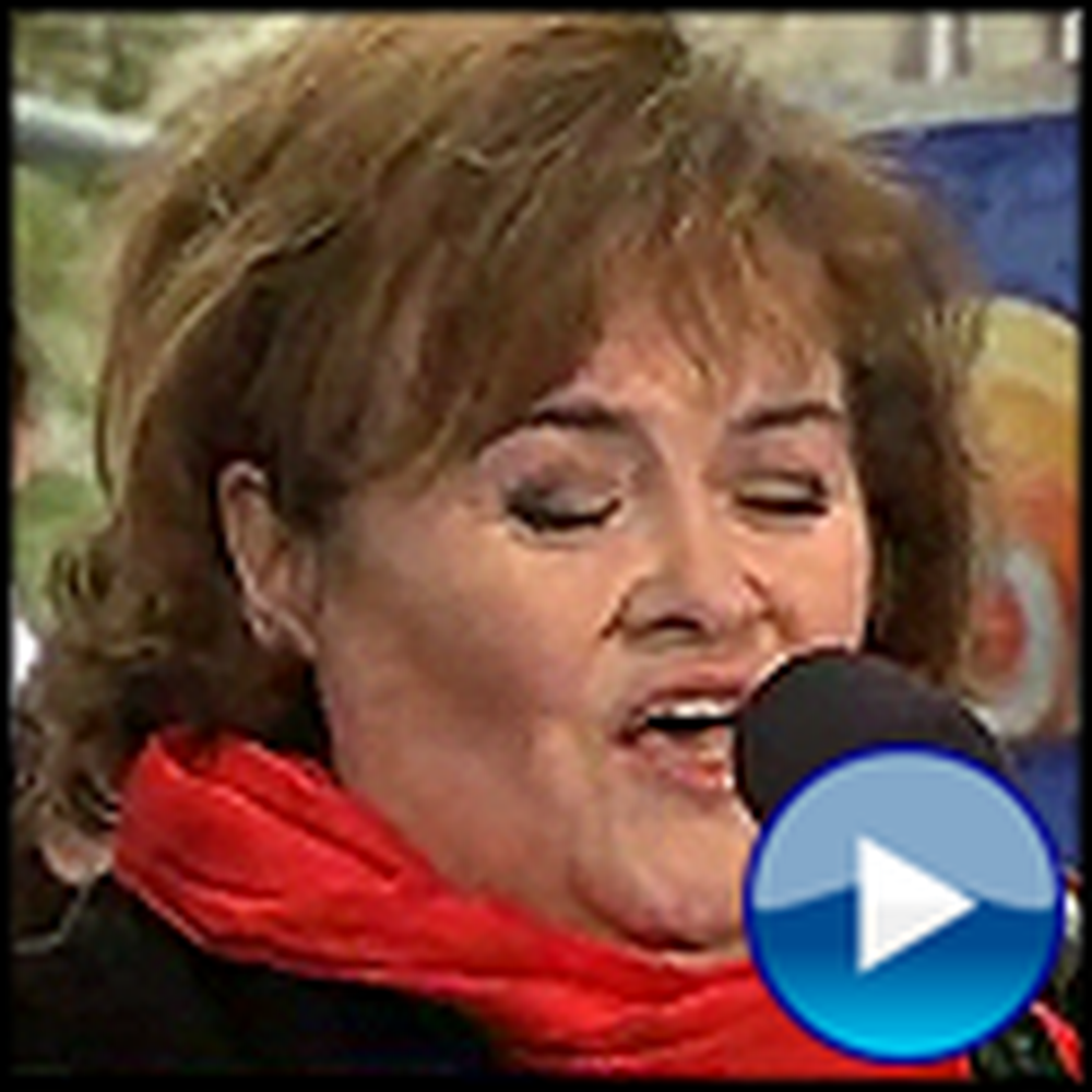 Susan Boyle Sings O Holy Night Live in New York