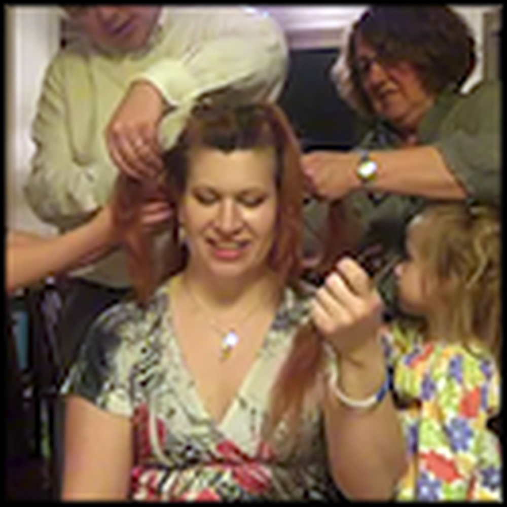 Woman with Cancer Lets her Family Cut Off her Hair