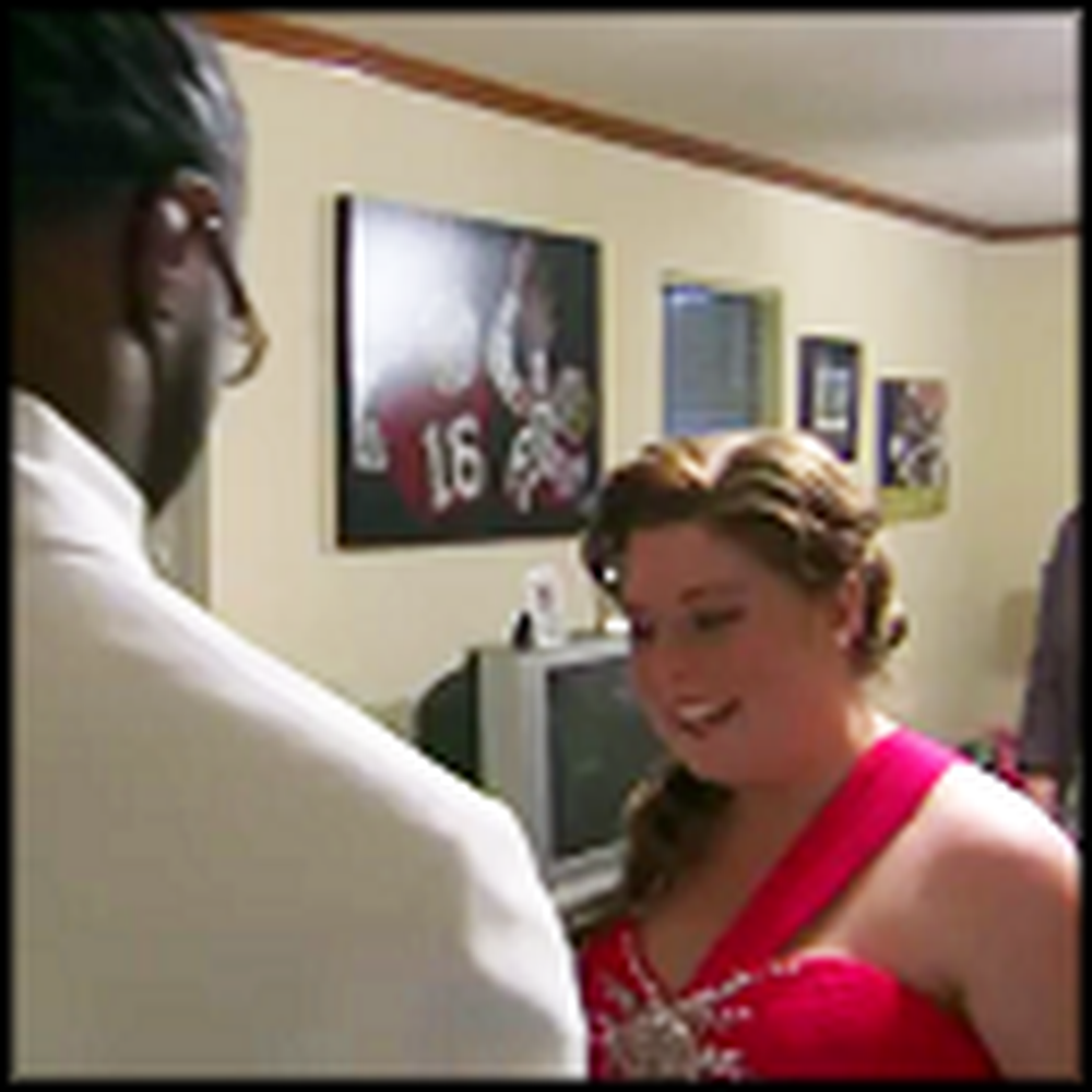 Alabama Football Star Takes a Cancer Survivor to Prom - So Touching
