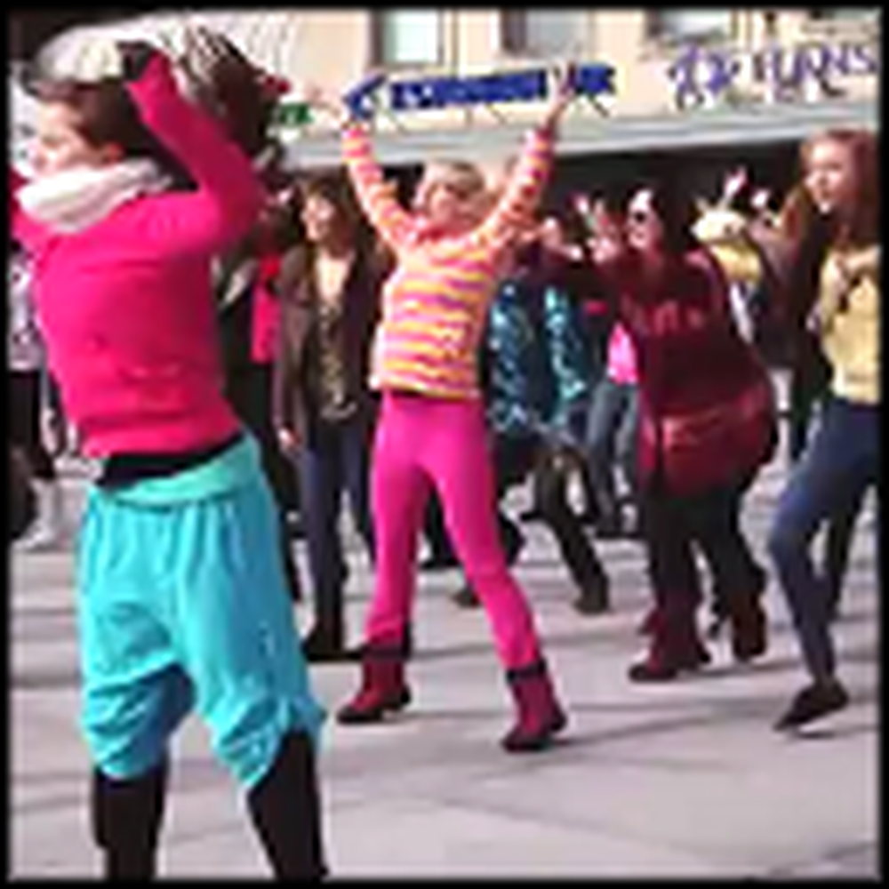 Christian Flash Mob Breaks Out in Estonia for God