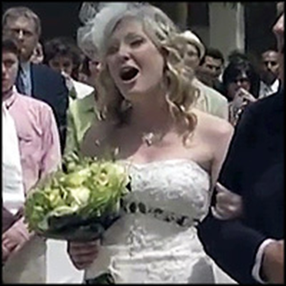 Lovely Bride Sings to Her Groom as She Walks Down the Aisle