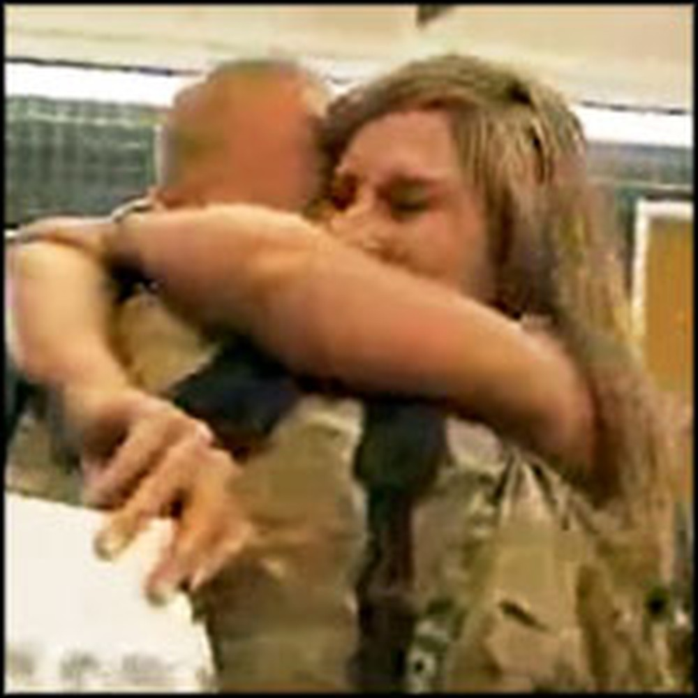 Soldier Returns From a Year Deployment to See His Wife 150lbs Lighter