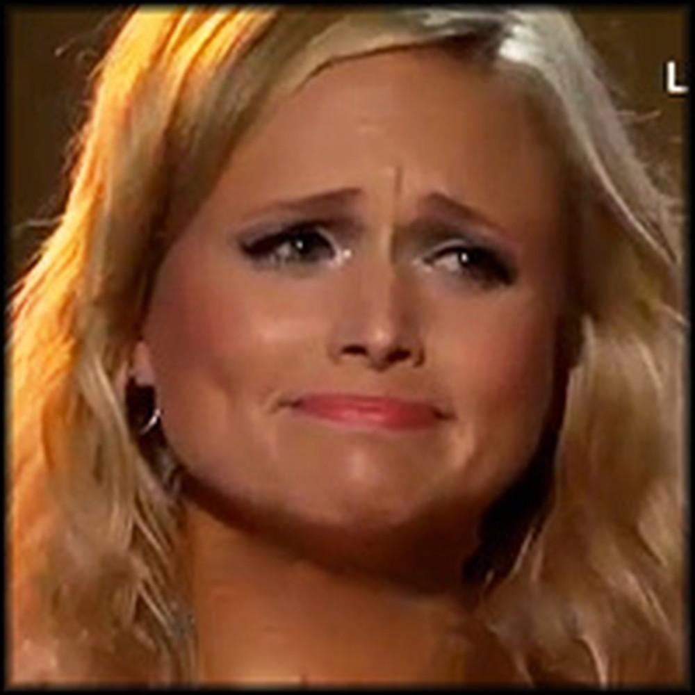 Miranda Lambert Breaks Down During Performance Dedicated to Tornado Victims