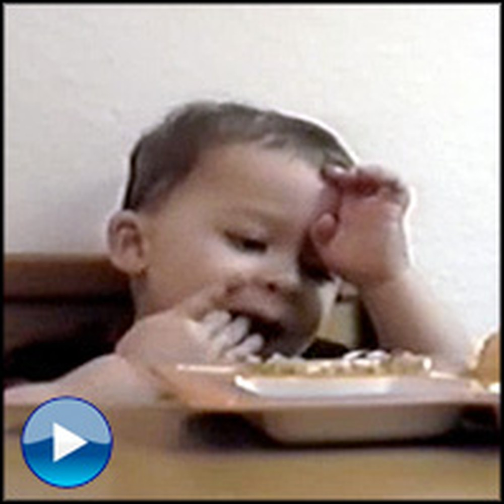 Little Boy Does the Most Adorable Thing While Mommy Says Grace