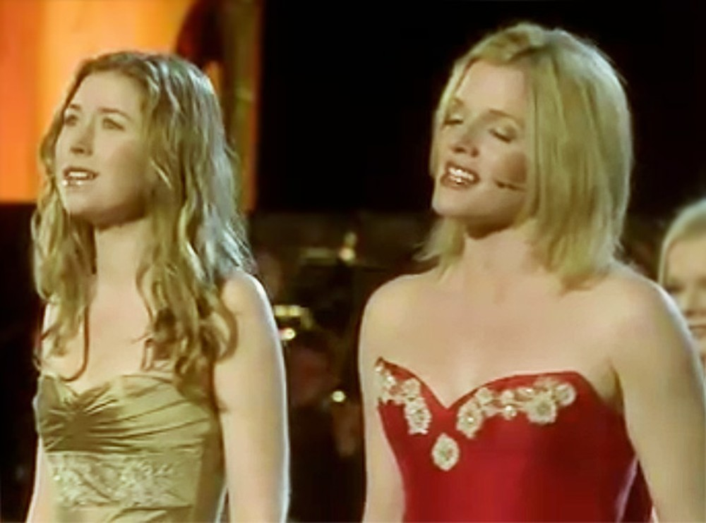 Hayley Westenra & Celtic Woman Sing Heavenly Version of You Raise Me Up