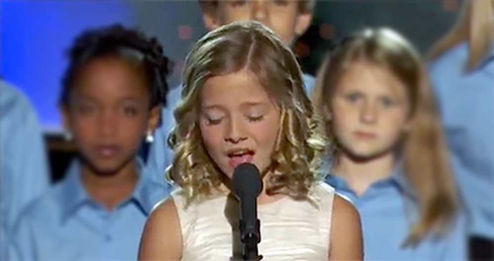 Jackie Evancho's Unbelievable Voice Silences a Room