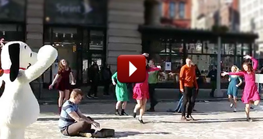 What Happened in NYC Just Stole Our Hearts - It's a Flash Mob, Charlie Brown!