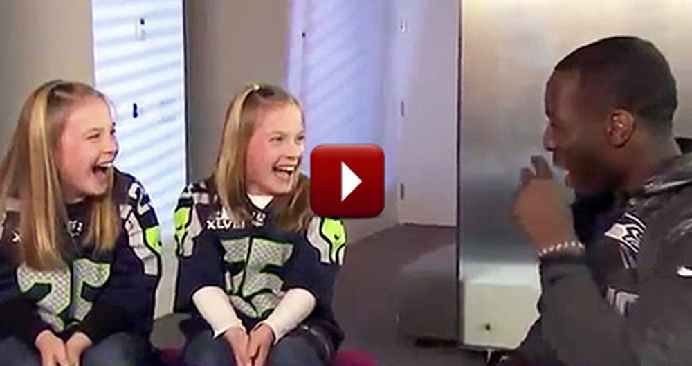 A Football Star and 2 Girls Have a Unique Bond That Will Melt Your Heart to Pieces
