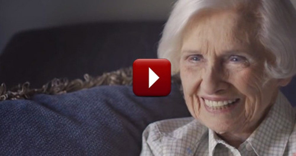 """98-Year-Old Woman Shows What it Means to """"Love Thy Neighbor"""""""