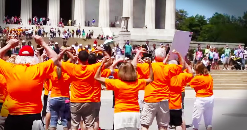 This Flash Mob Transformed The Nation's Capitol For a Great Cause. By 4:30 I Was Dancing With Them!
