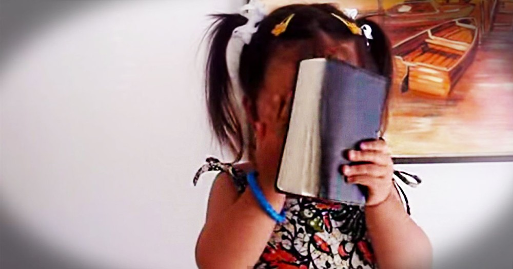 It's Impossible Not To Love 'Amazing Grace'. Especially When This Adorable 2-Year-Old Sings It!