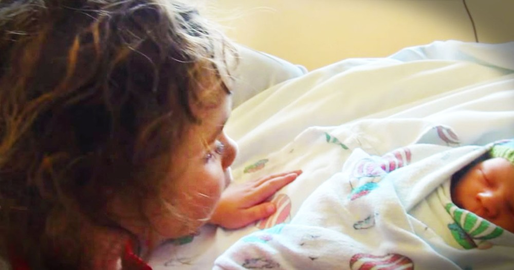 When This Sweet Sister Meets Her Baby Brother She Does The CUTEST Thing. What An Angel!