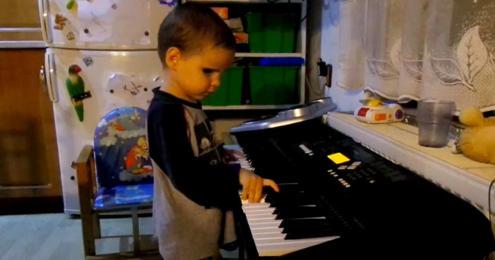 What This 3-Year-Old Can Do On A Piano Will STUN You. And He's Never Had A Lesson--Wow!