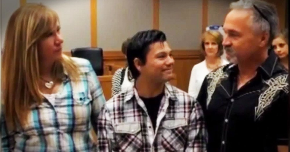 This Homeless Teen Found His Long-Lost Sister. But What Happened NEXT Really Brought The Tears!