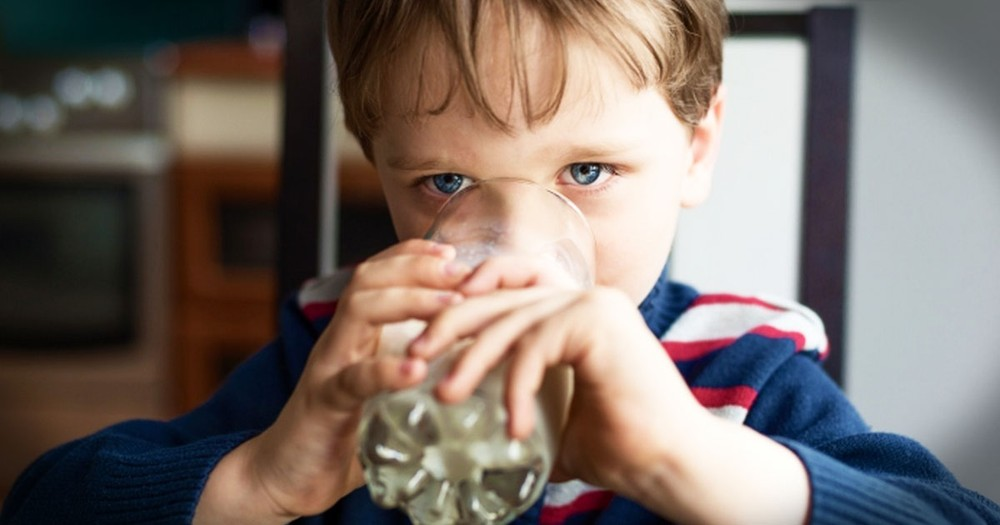 Kind Boy Pays for Glass of Milk with an Act of Kindness Years Later