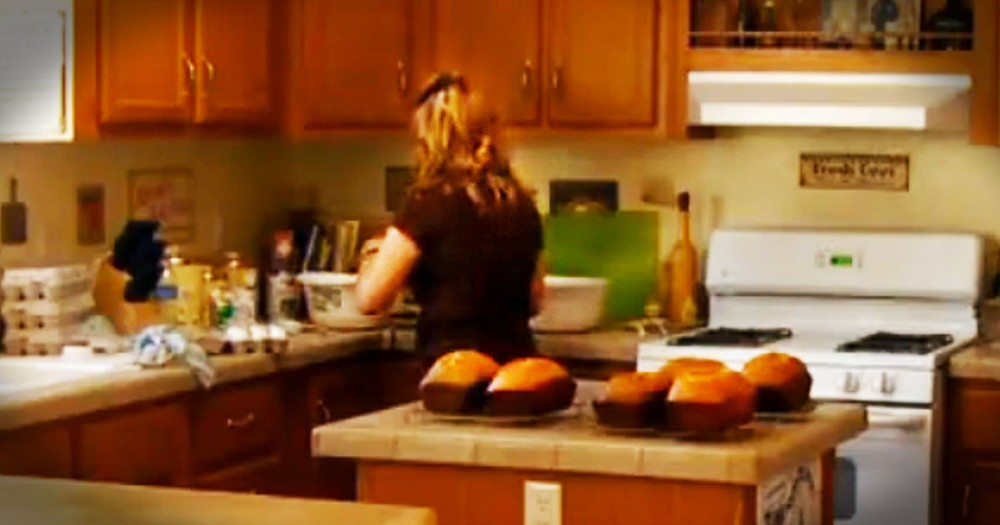 Woman Bakes For A Month To Repay A Single Act Of Kindness