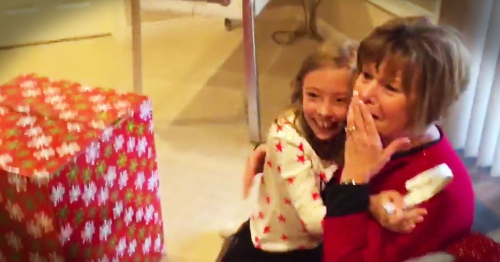 Missionary Family Flies Home For Christmas To Surprise Their Family
