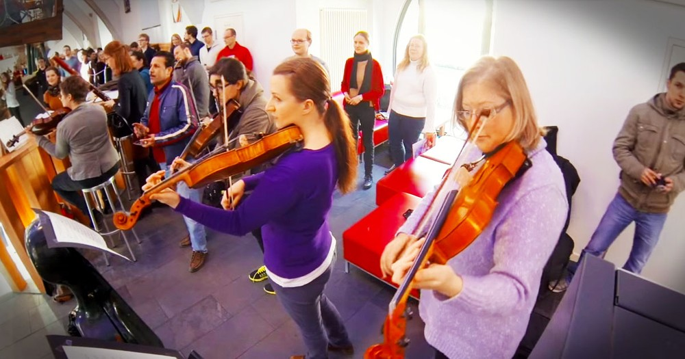 Classical Flash Mob Surprises EVERYONE!