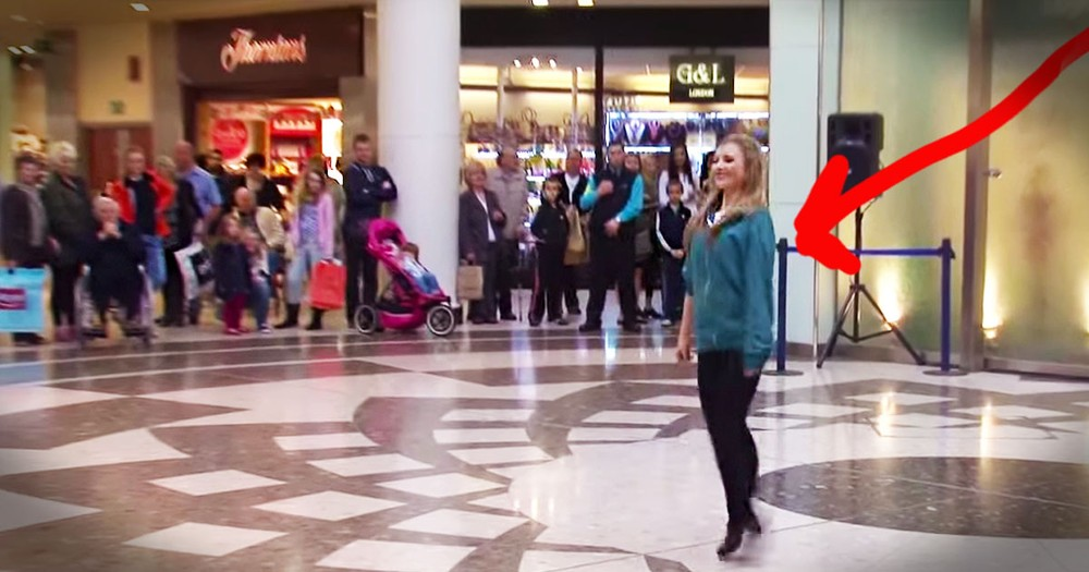 40 Irish Dancers Surprise Shoppers With Awesome FLASH MOB!