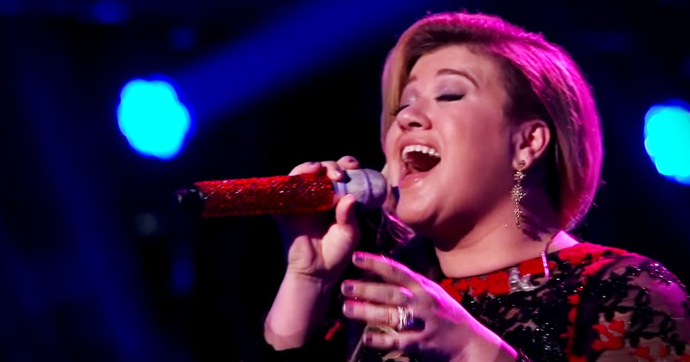 Kelly Clarkson Singing This Classic COVERED Me In Chills!