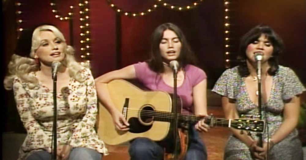 3 Country Legends Come Together For THIS Soul-Stirring Performance.