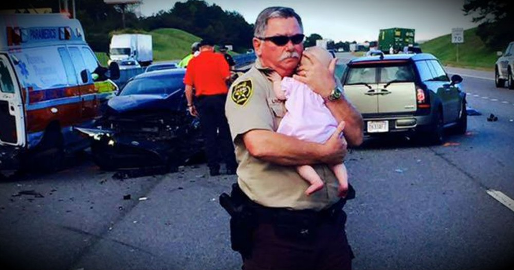 The Photo Of This Police Officer Is Going Viral. And I Just LOVE It!