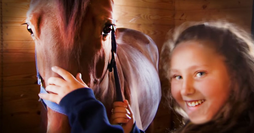 Little Girl And Her Horse Shock Everyone!