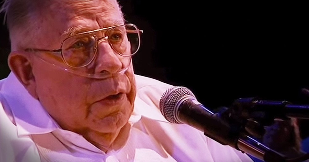 83-Year-Old On Oxygen Sings Tear-Filled Song