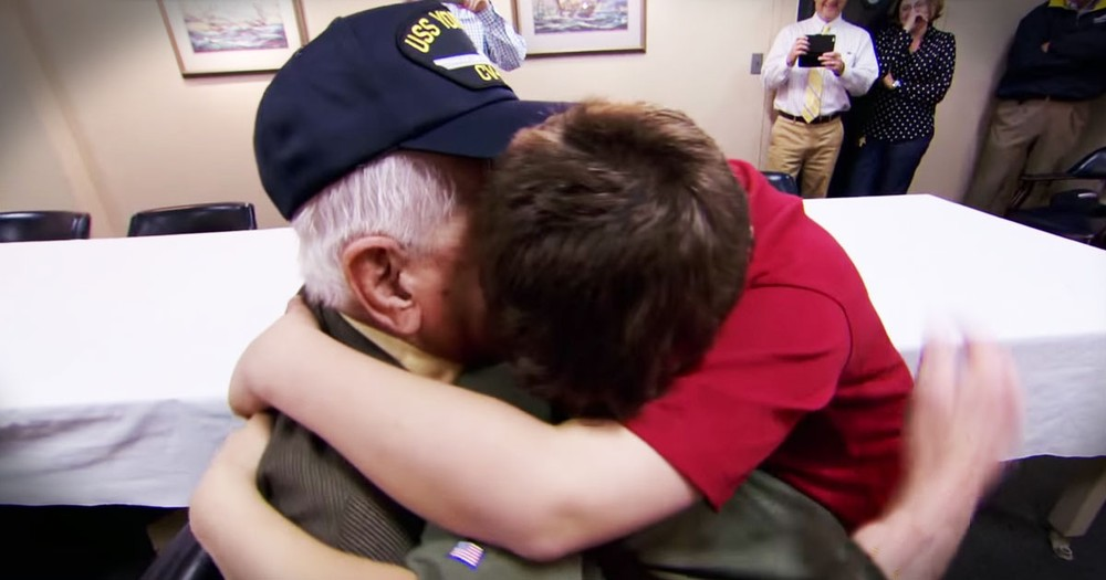 WWII Hero And His 2 Biggest Fans Will Steal Your Heart All Over Again