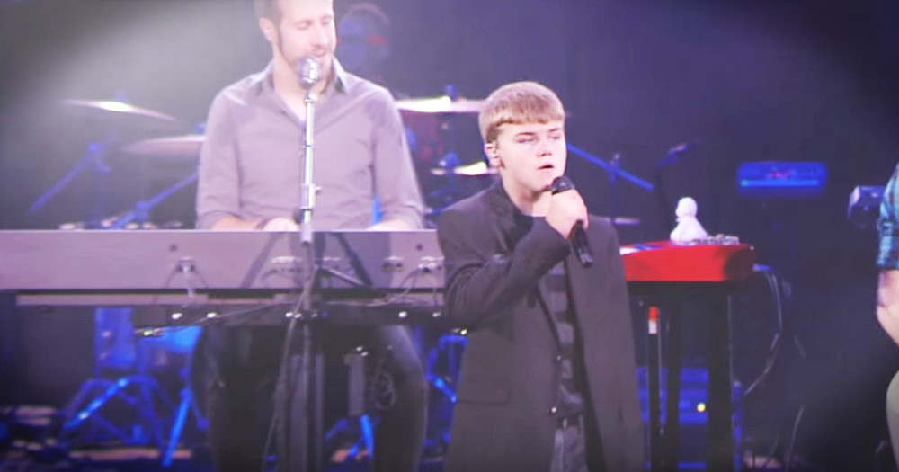 Colton Burpo Sings New Worship Song 'Heaven'