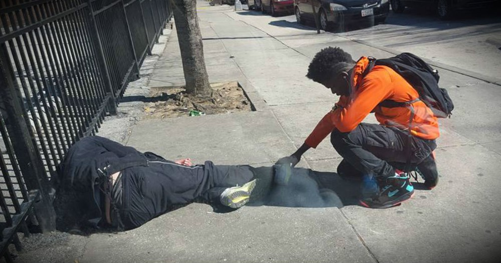 An Officer Posted A Photo Of A Teen Doing THIS To A Homeless Man