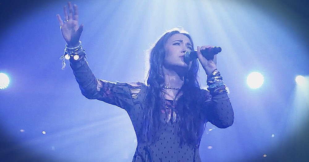 Lauren Daigle 'How Can It Be' Live Will Make Your Day