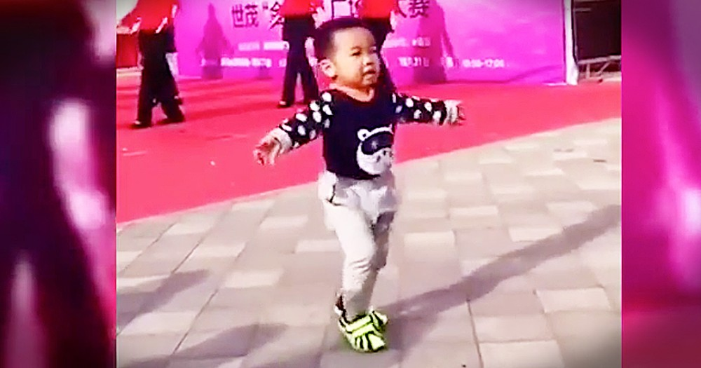Adorable Dancing Toddler Steals The Show