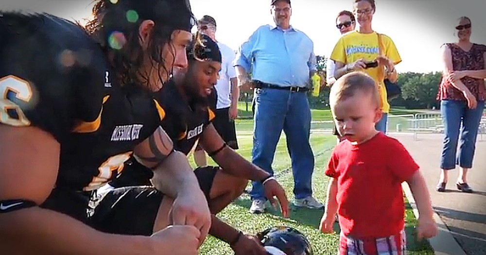 2 College Football Players Rescue Toddler From A Hot Car As His Grandma Prays