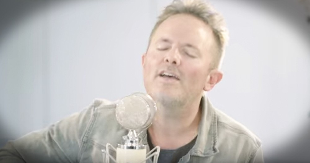 Chris Tomlin Gives Beautiful Acoustic Performance Of 'Come Thou Fount'