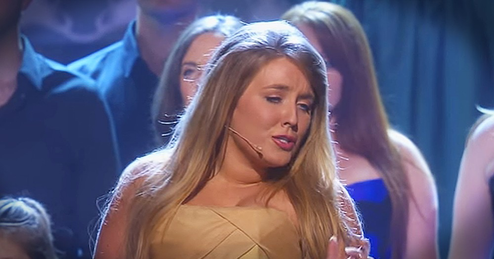 Celtic Woman Performs Beautiful Christmas 'Ave Maria'