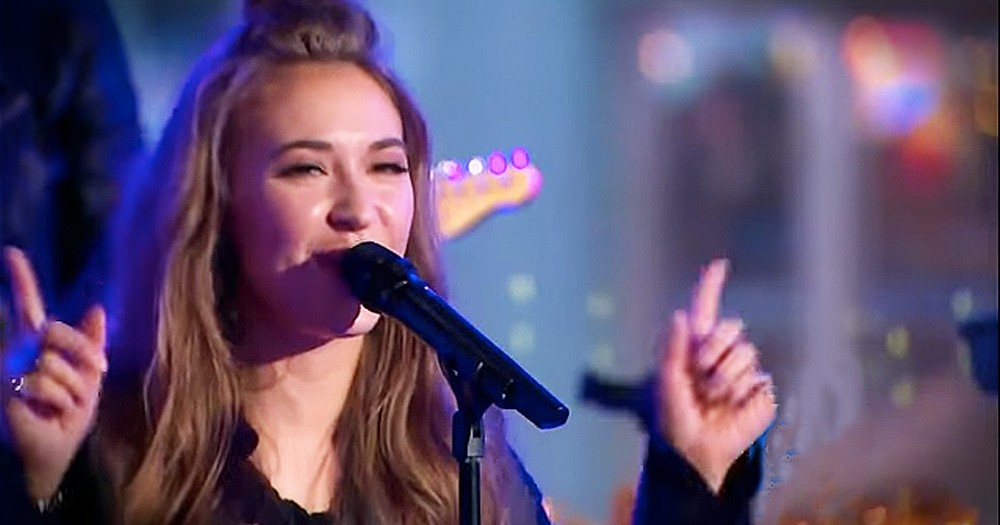 Lauren Daigle Performs 'Trust In You' Live On National Television