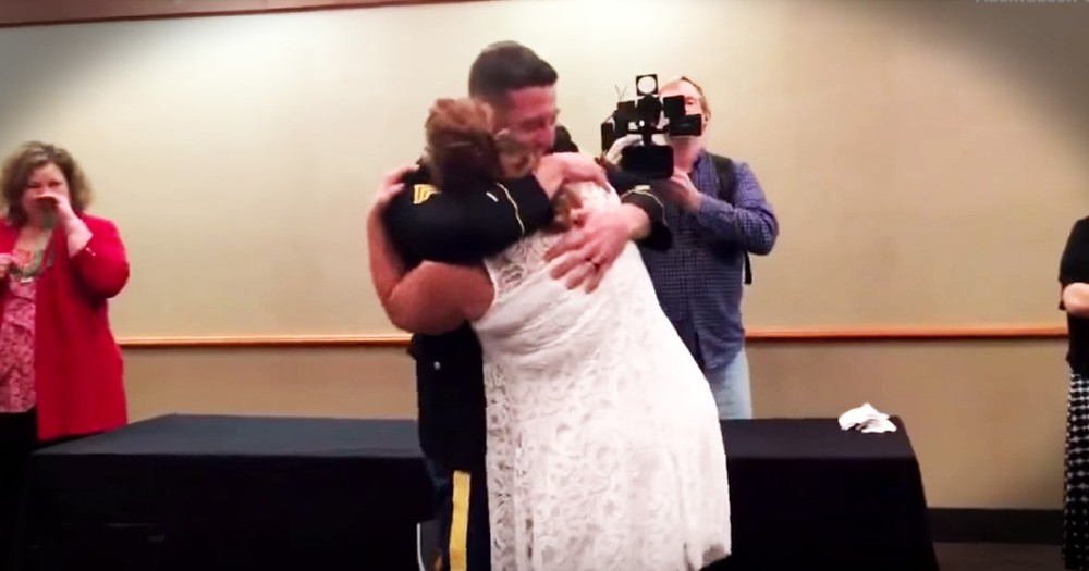 Soldier Son Surprises His Mom At Her Nursing School Graduation In The Sweetest Reunion