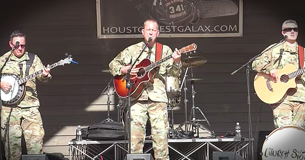 Musical Servicemen Perform 'Proud To Be An American'