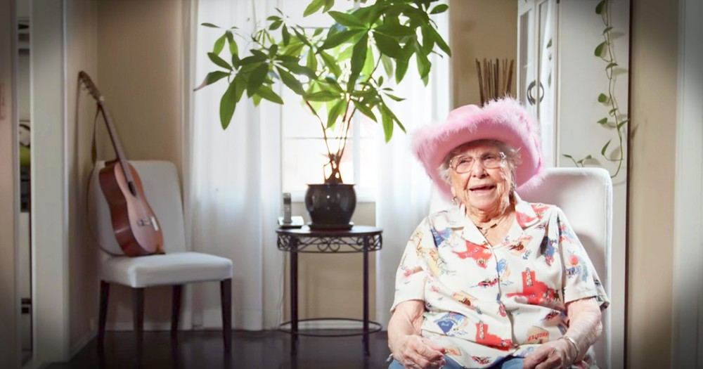 Talented 95-Year-Old Yodeling Grandma Wows Crowd