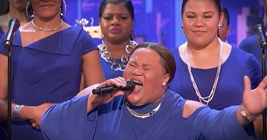 Choir Steals The Show With 'This Little Light Of Mine'