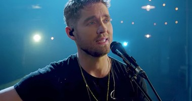 Country Star's Breathtaking Rendition Of 'Hallelujah'