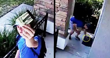 Surveillance Video Of Teen Returning Wallet Goes Viral