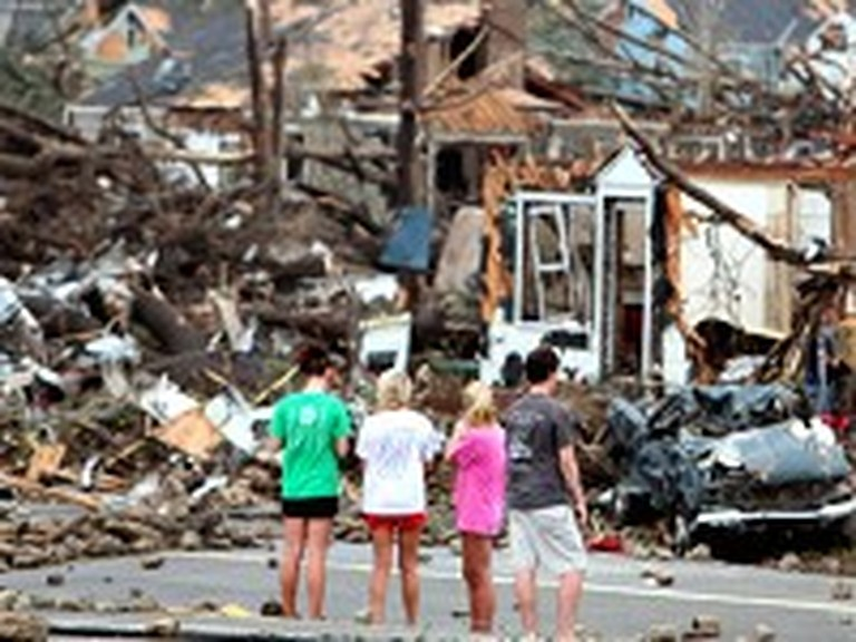 Girl Survives a Tornado and Gives the Glory to God