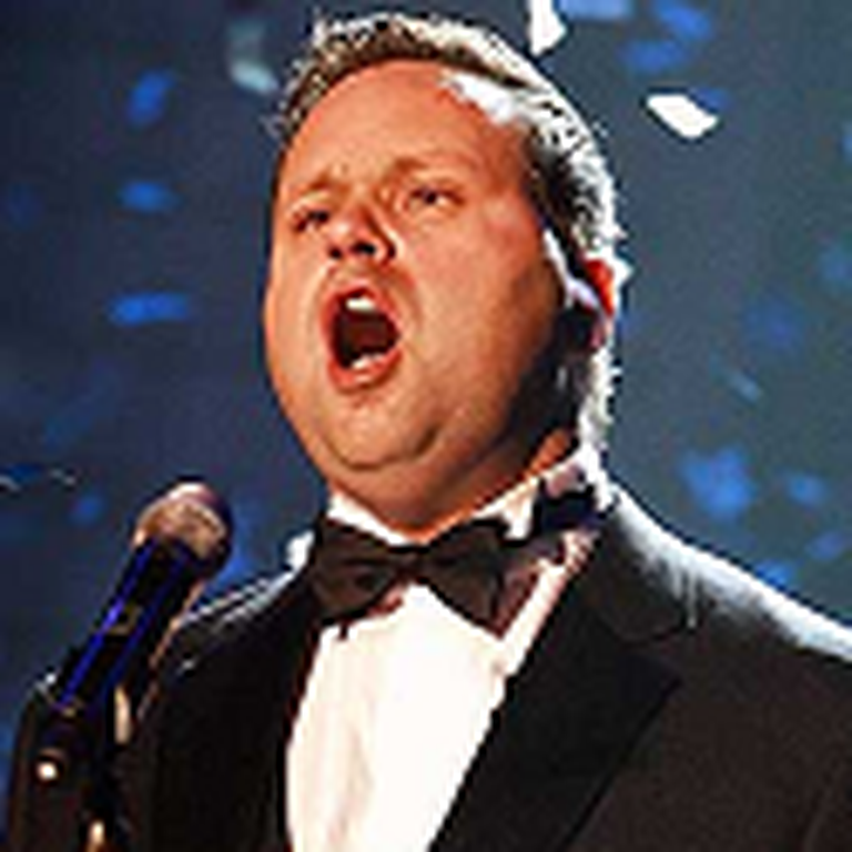 O Holy Night by Paul Potts - Very Nice Rendition