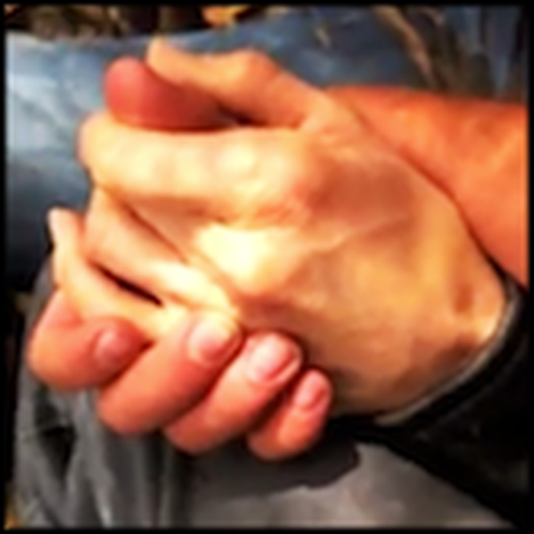 Stranger Comforts a Severely Injured Woman He Found